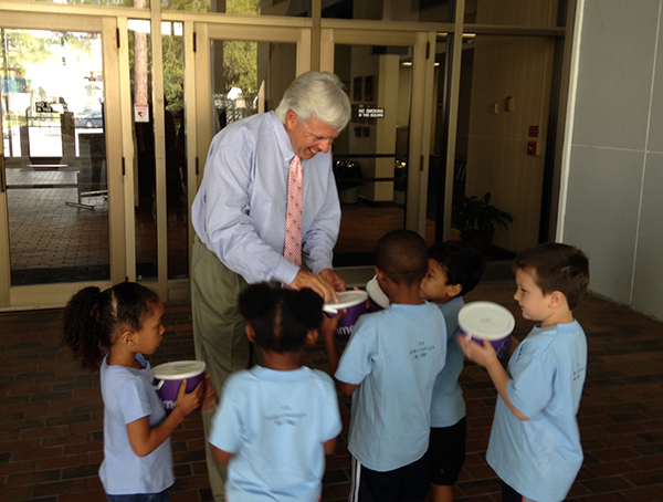 Students collect money for March of Dimes