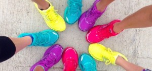 Best-Walking-Shoes-for-Overweight-Women-520x245