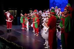 Santa pays a visit to Santa Fe College.
