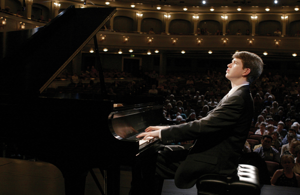Stephen Beus (23, Othello, WA) performs in recital during the preliminary round of the Van Cliburn International Piano Competition at the Bass Performance Hall in Fort Worth, Texas, on May 21, 2005. DIGITAL PHOTO Van Cliburn Foundation/Rodger Mallison