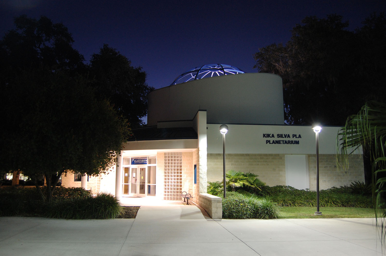planetarium-at-night-2