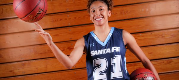 Stephanie Jackson Santa Fe Saints women's Basketball team