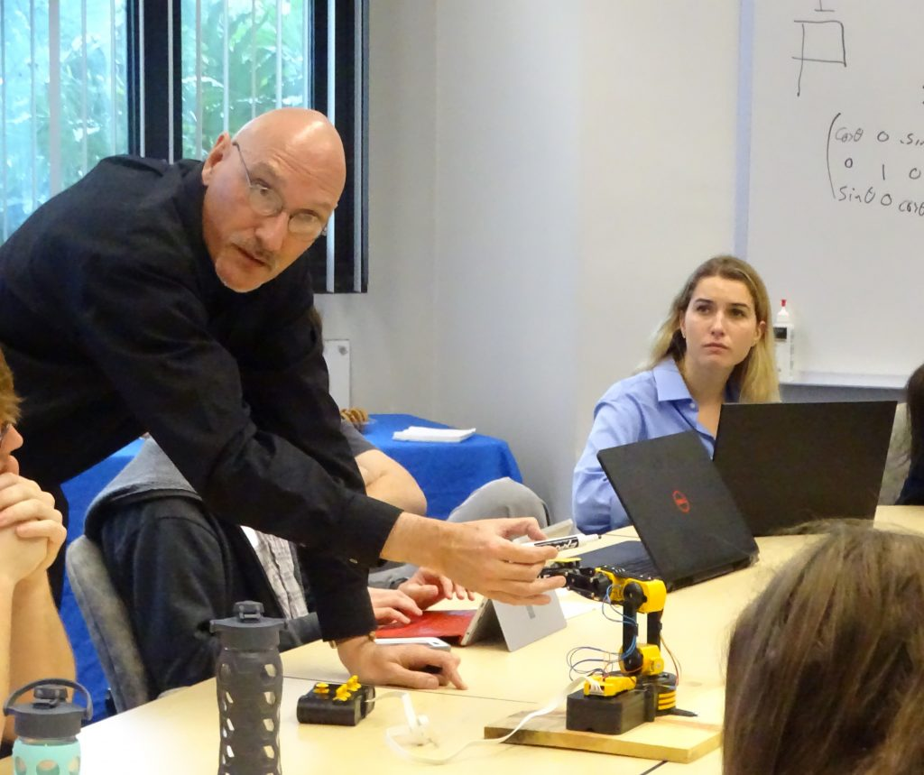 Dr. Phillip Pinon led an in-depth workshop on robotics for students in the SF Engineering Club.