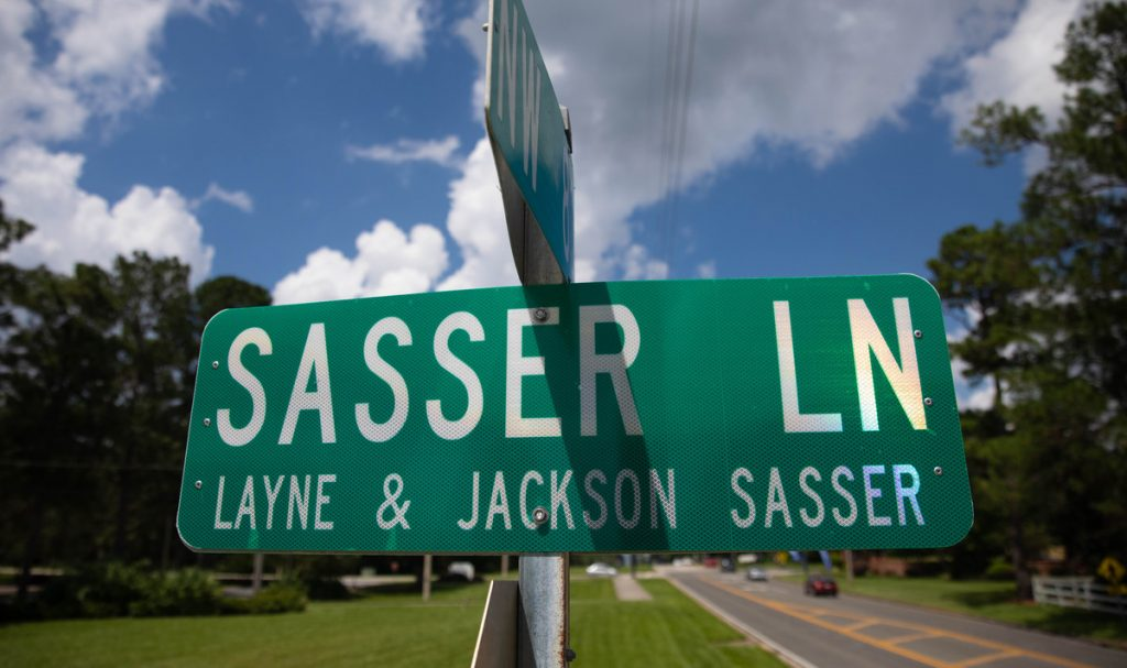 Sasser Ln street sign